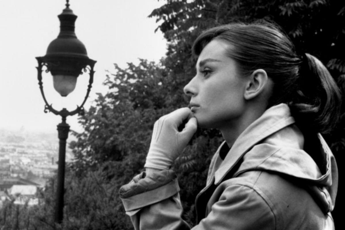 Audrey Hepburn Acteur Celebrity Fond Monochrome 728x4091