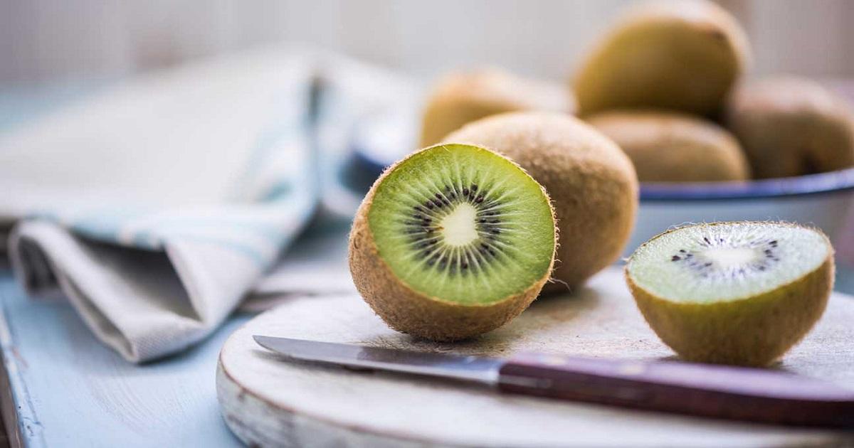 Can You Eat Kiwifruit Skin 1296x728